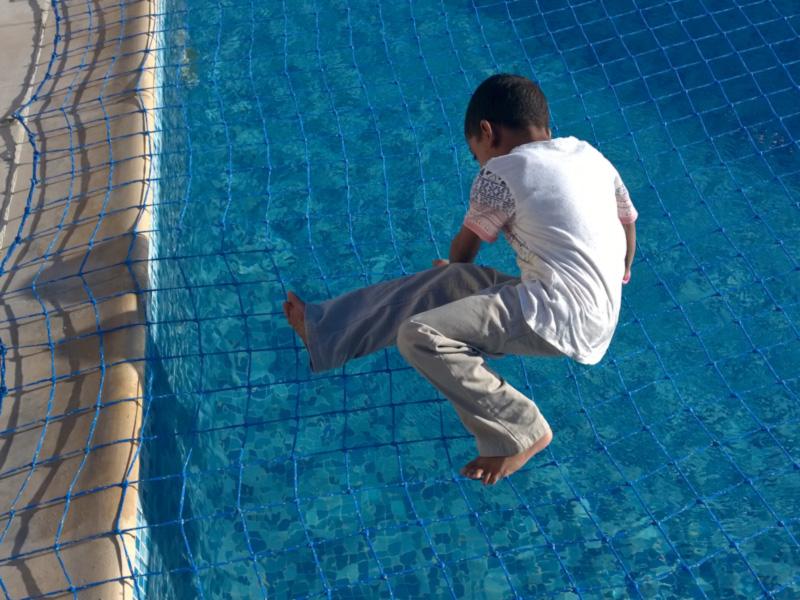 pool-safety-net-Abu-Dhabi